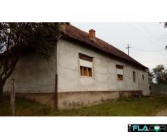 Casa la țară