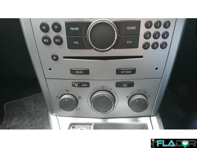Vauxhall Astra H cu volan pe dreapta - 3/6