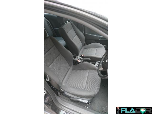 Vauxhall Astra H cu volan pe dreapta - 4/6