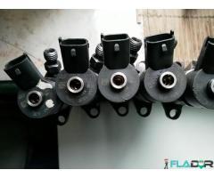 0445110188 Injectoare Citroen Ford Focus Fusion Mazda 3 Peugeot 206 307 407 Volvo C30 S40 V50 1.6 - Imagine 1/5