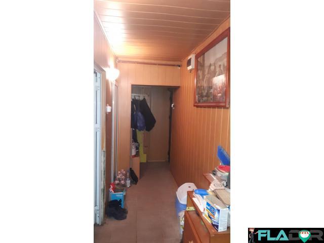 Vand apartament 2 camere semidecomandat - 1/6