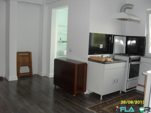 Proprietar vand apartament 2 camere - 2/6