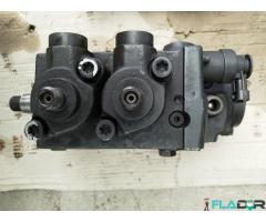 5801486599 Bosch 0445020195 Pompa Inalta Presiune Iveco Stralis AD AS AT Trakker AD New Holland T9 - Imagine 4/4