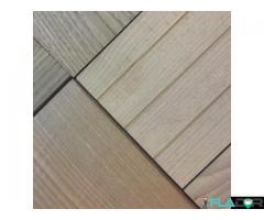 Cu Decking WPC si lemn termotratat