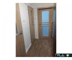 Vand apartament cu 4 camere - Imagine 1/5