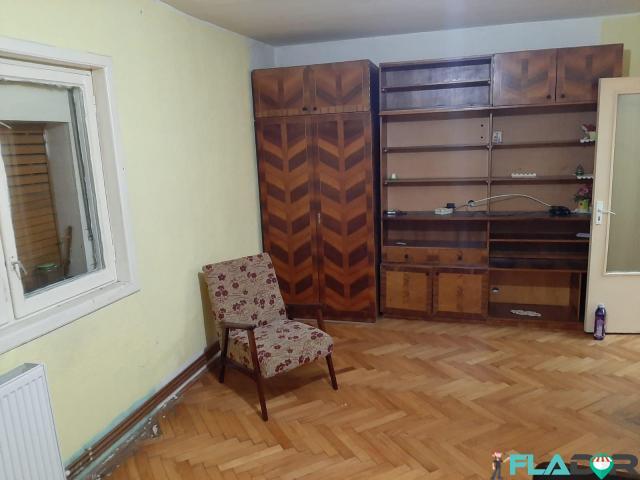 Proprietar inchiriez apartament 3 camere - 1/6