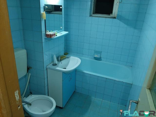Proprietar inchiriez apartament 3 camere - 3/6