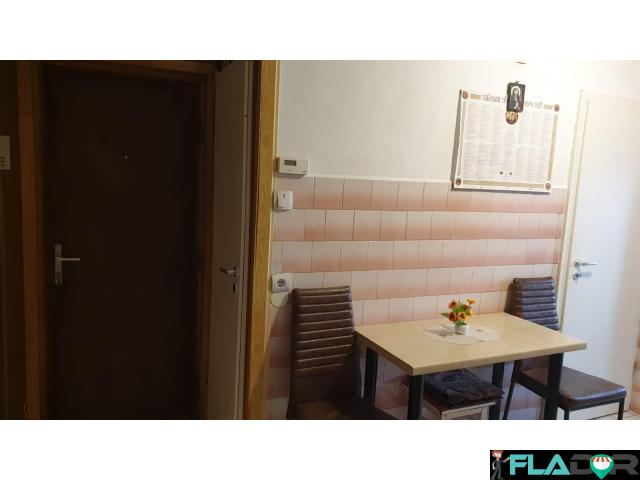Vand apartament cu 2 camere - 1/6