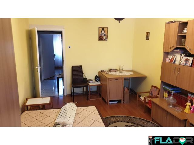 Vand apartament cu 2 camere - 5/6