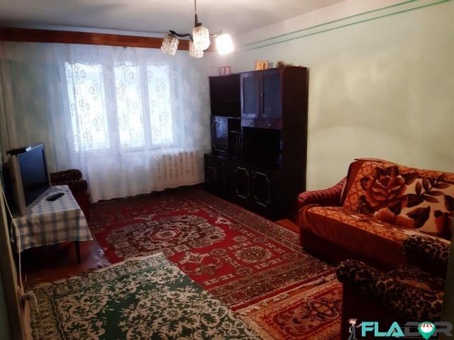 Inchiriez apartament 2 camere decomandat - 1/6