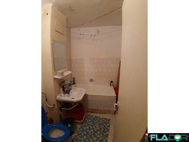 Inchiriez apartament 2 camere decomandat - 2/6