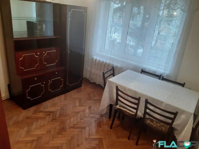Inchiriez apartament 2 camere decomandat - 4/6