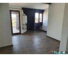 De vanzare- apartament 3  camere