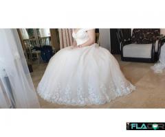 Rochie de miriasa + voal + coronita
