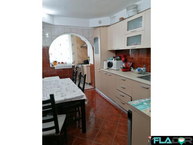 Vand apartament 3 camere Milcov - 6/6