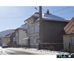 Vand vila in centru + casa, Moldovita