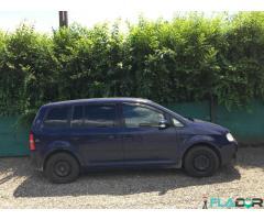 Vând Volkswagen Touran