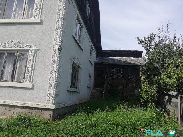 Vând casă +terem agricol - 4/6