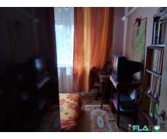 Închiriez ultracentral Craiova unui elev/student camera in apartament de 4 camere