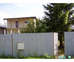 Casa cu teren si gradina spatioasa