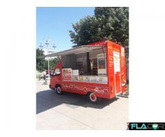 Food Truck Rotiserie mobilă