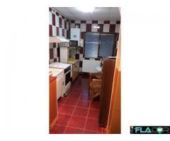 Schimb apartament 3 curtea de Argeș cu aparent 2 camere sector 4
