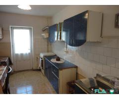 Apartament 3 camere 70 mp Victoria
